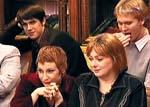 Слева - актриса Ольга Тумайкина